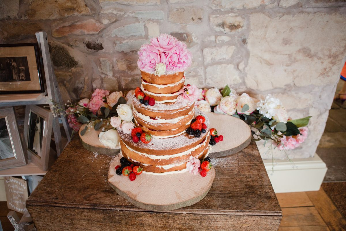 kirknewton stables barn wedding photogrpaher scotland