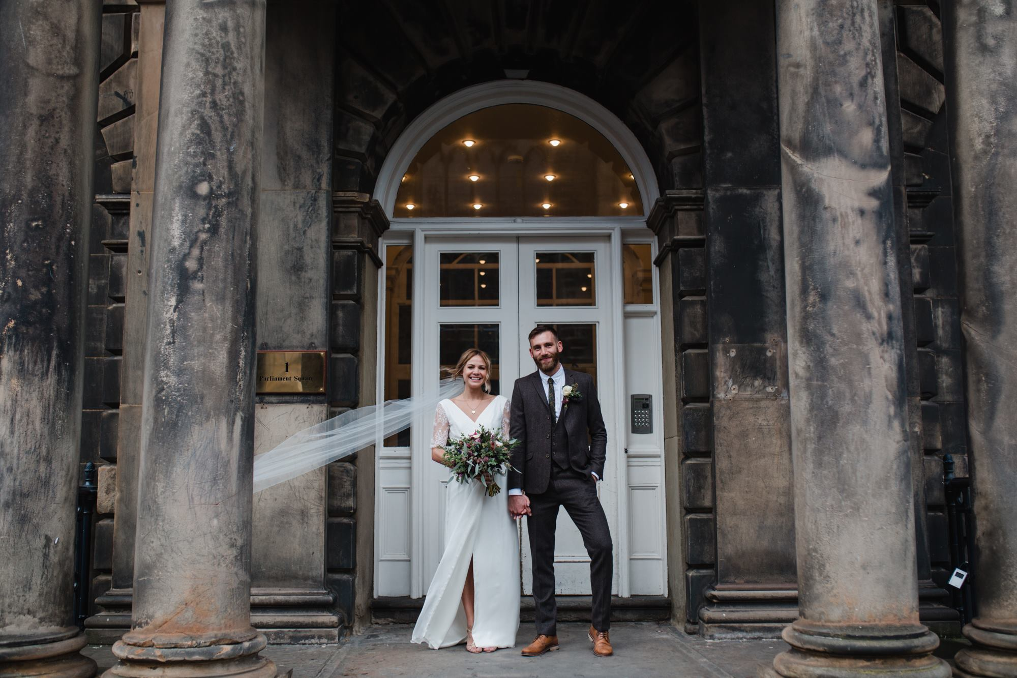 stylish edinburgh wedding photographer