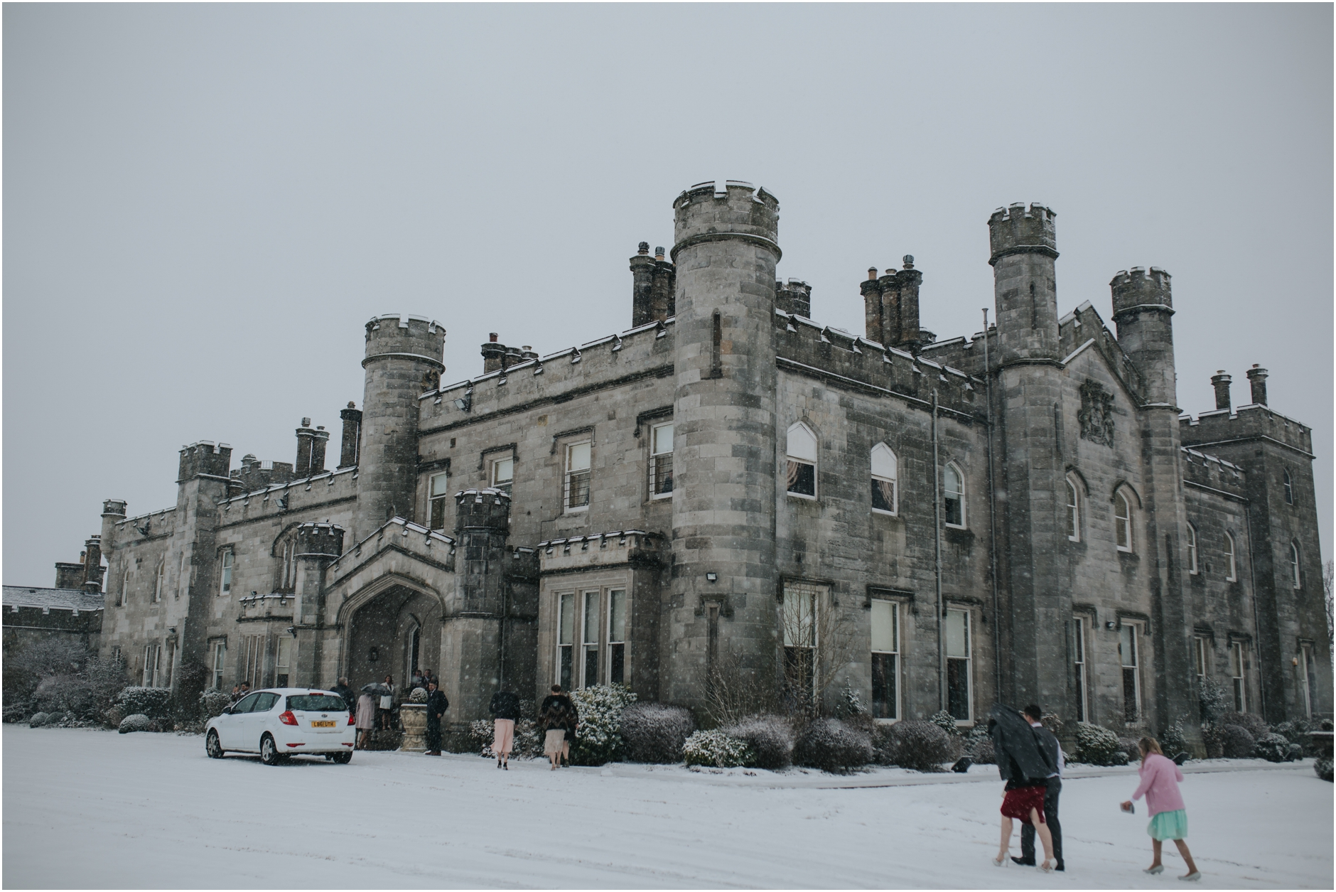 dundas castle, edinburgh south queensferry in the snow