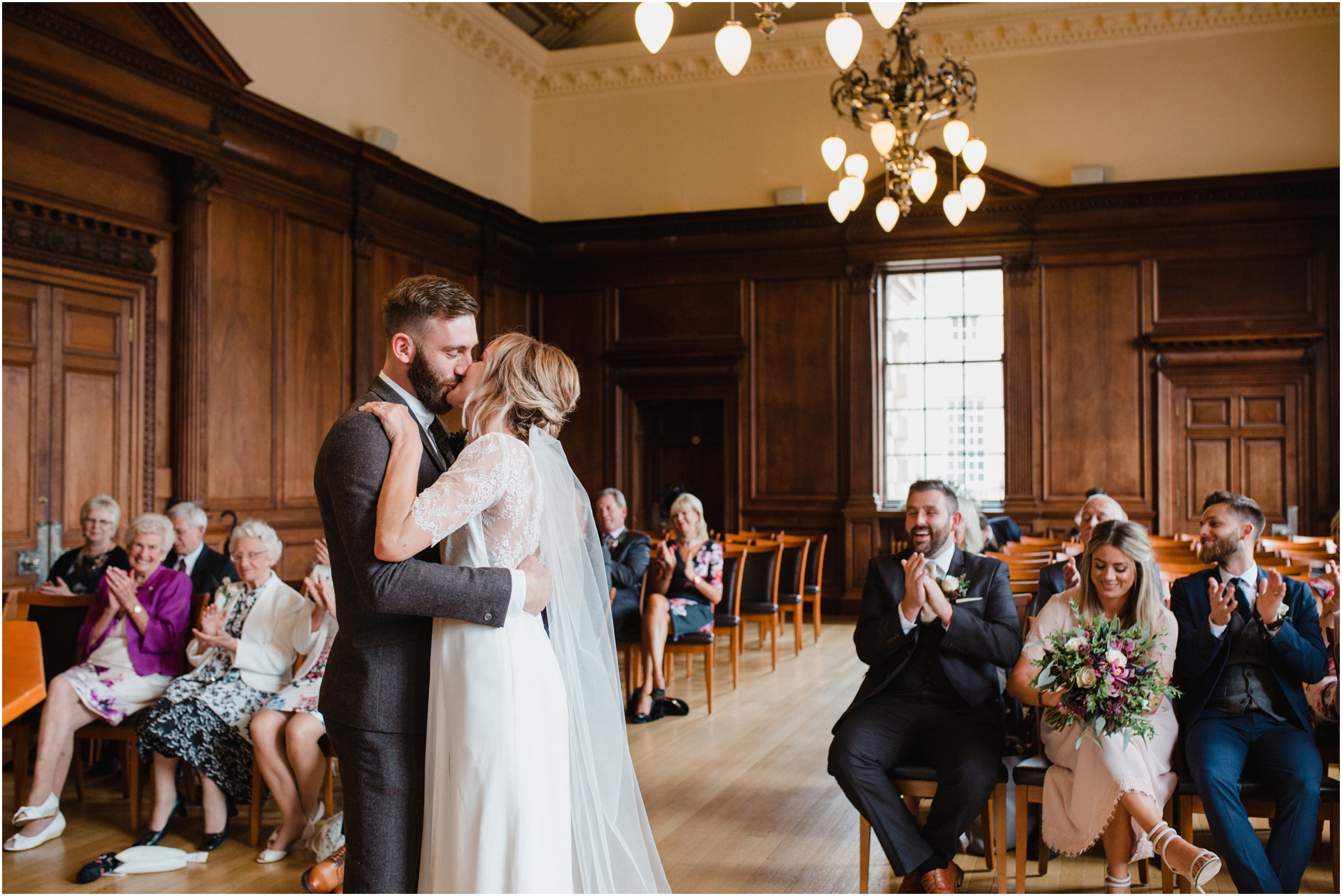 stylish edinburgh city wedding photos