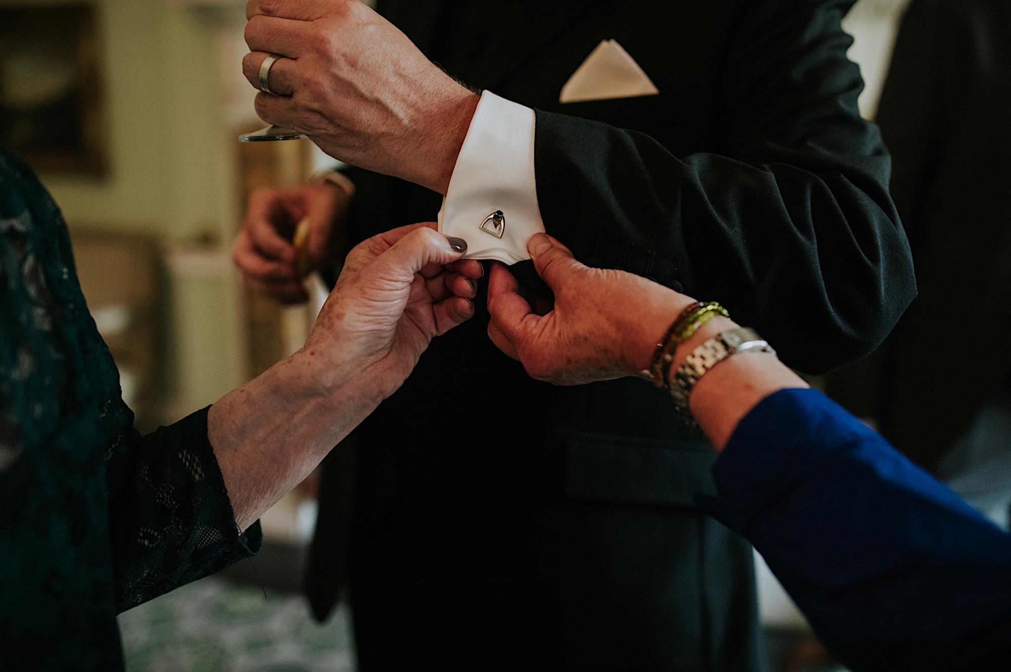 city wedding in edinburgh intimate stylish