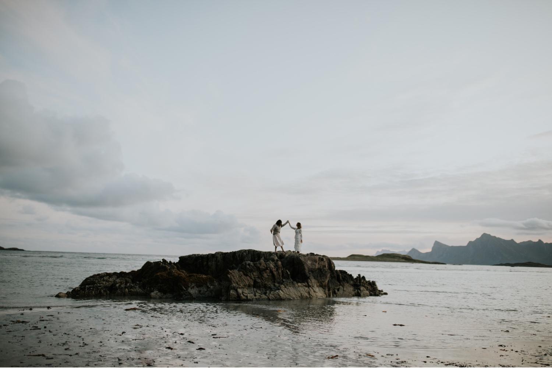 lofoten norway elopement photographer wedding