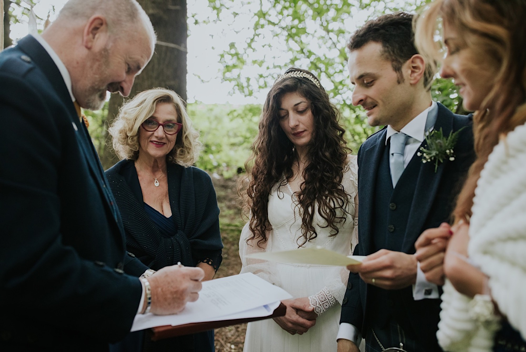 signing the wedding schedule