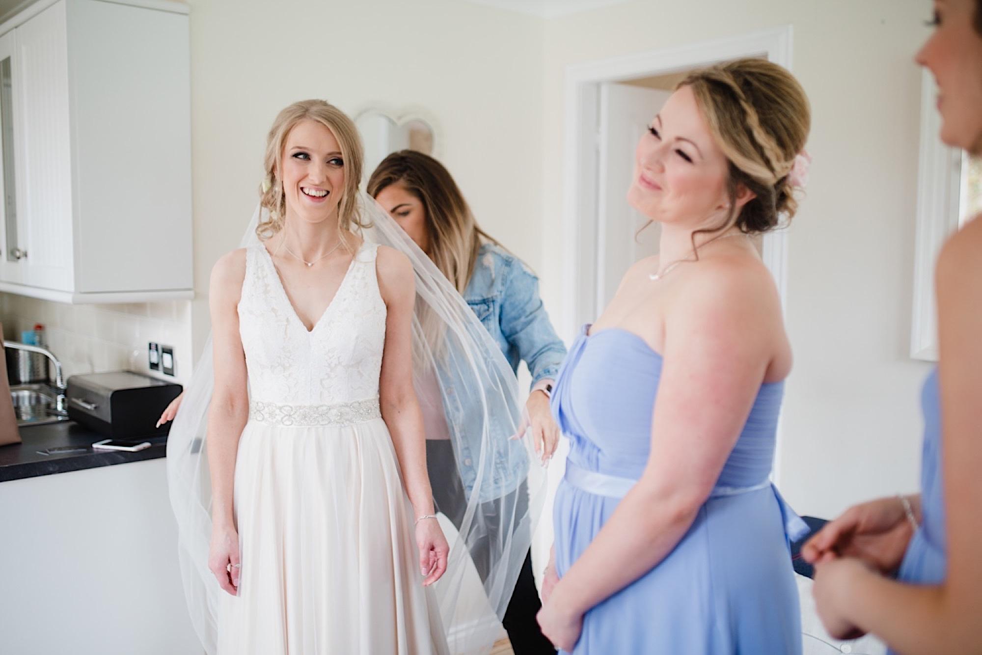 bridesmaids and bride wedding morning cruin loch lomand