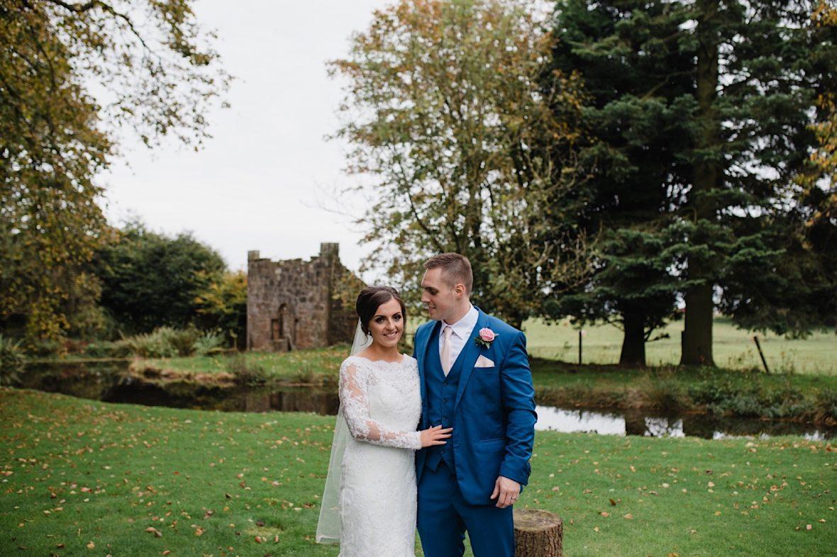 tullibole castle barn wedding photos
