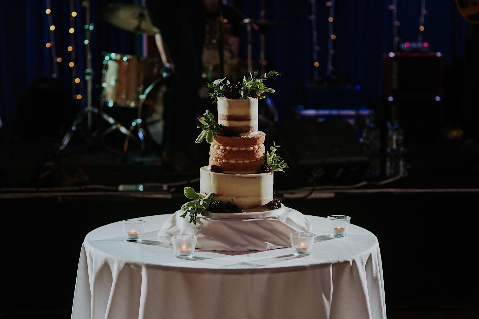 naked wedding cake at oran mor glasgow wedding