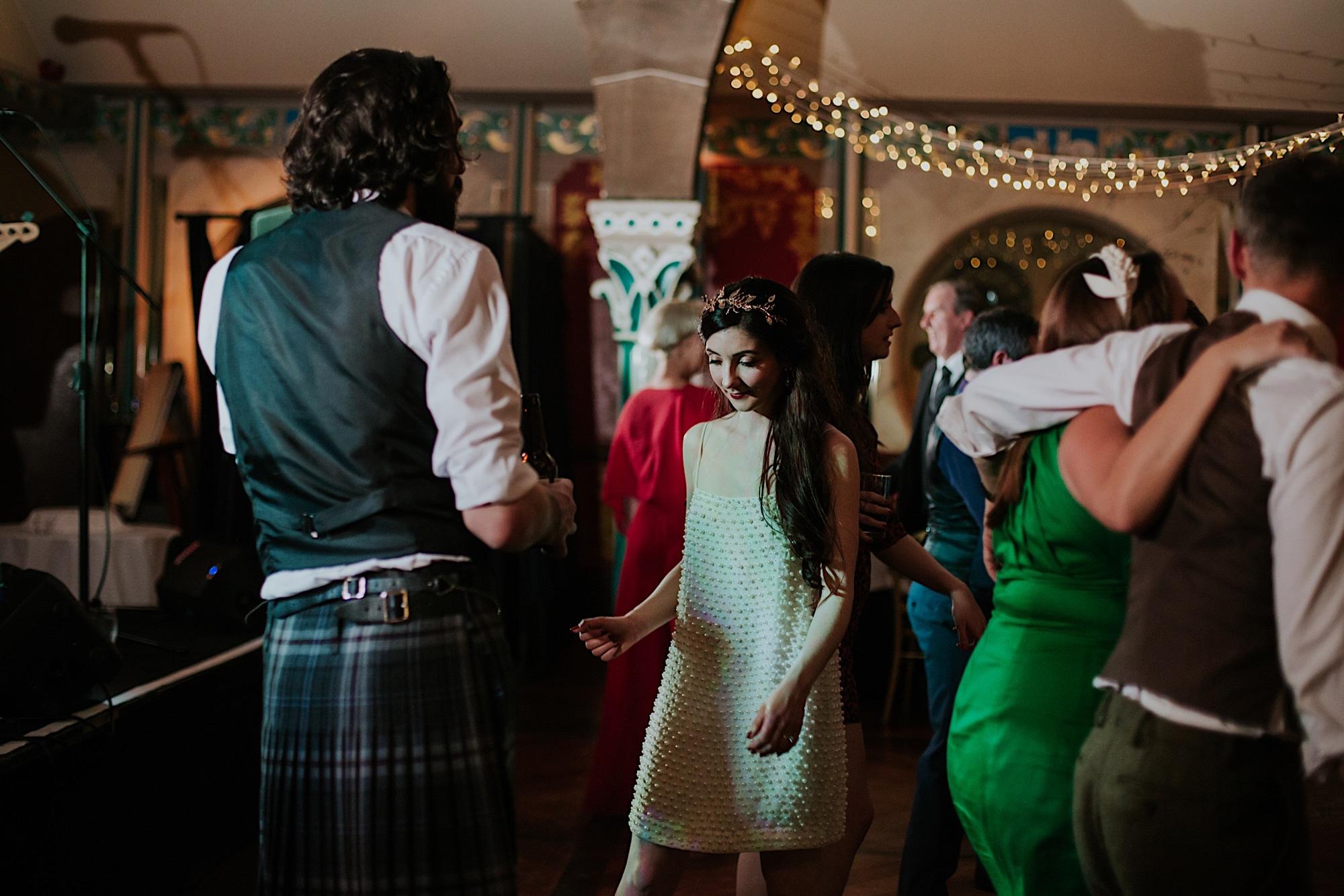 wedding reception dancing at oran mor glasgow